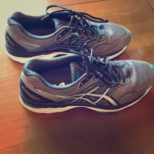 ASICS GT-2000 running shoes